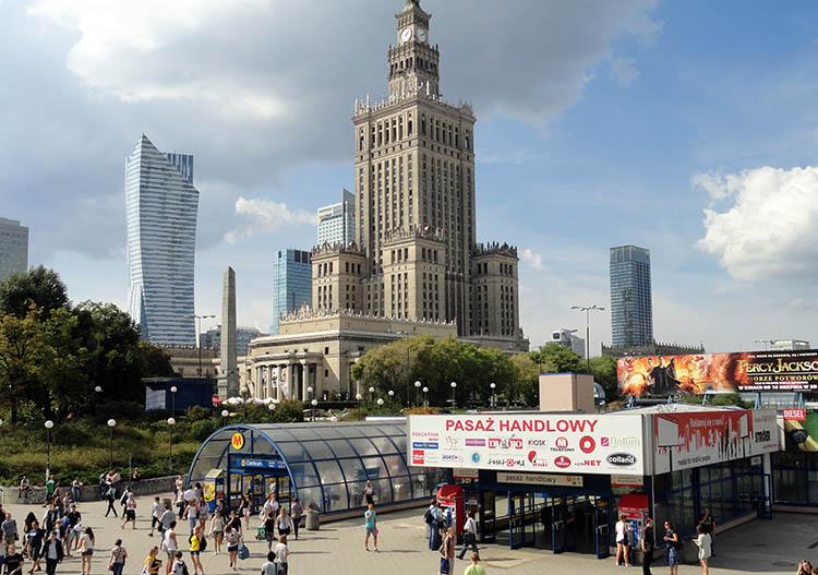 Warszawa Pałac Kultury karykaturzysta warszawa karykatury atrakcje na event imprezy firmowe
